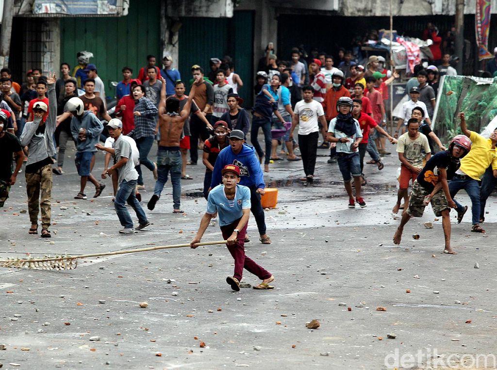 Warga Kampung Sentani Saling Amuk Gegara Kasus Orang Mabuk