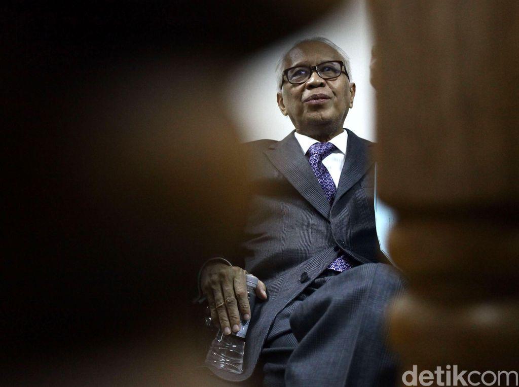 MK Sangsi Materi Gugatan OC Kaligis soal Pengetatan Remisi Koruptor