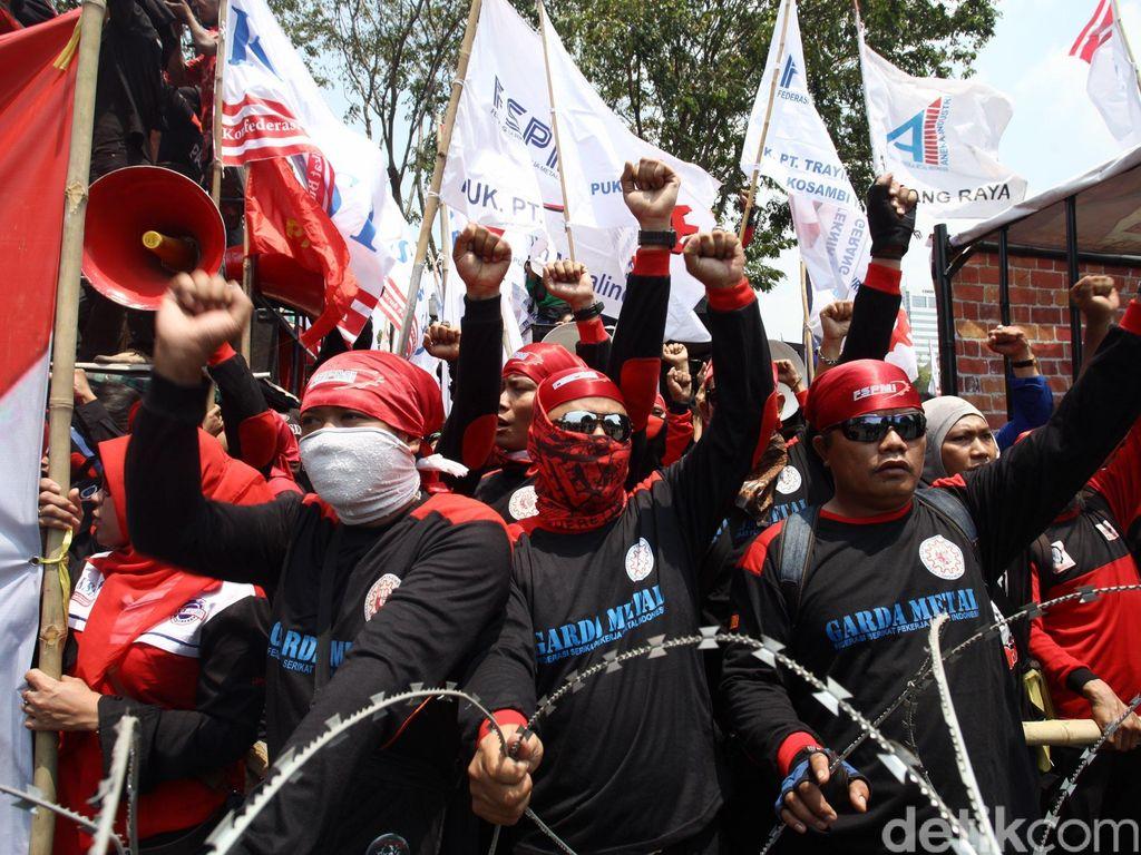 Buruh Minta Upah Minimum Tahun Depan Naik 10%