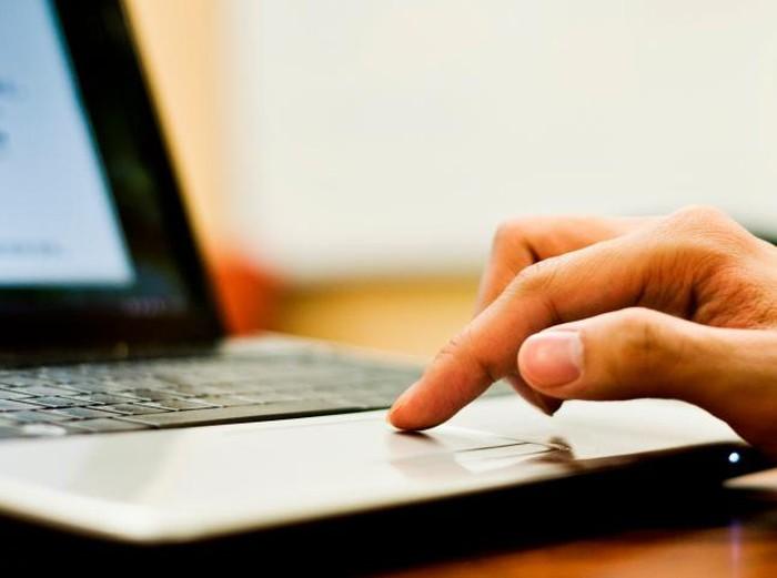 ilustrasi laptop