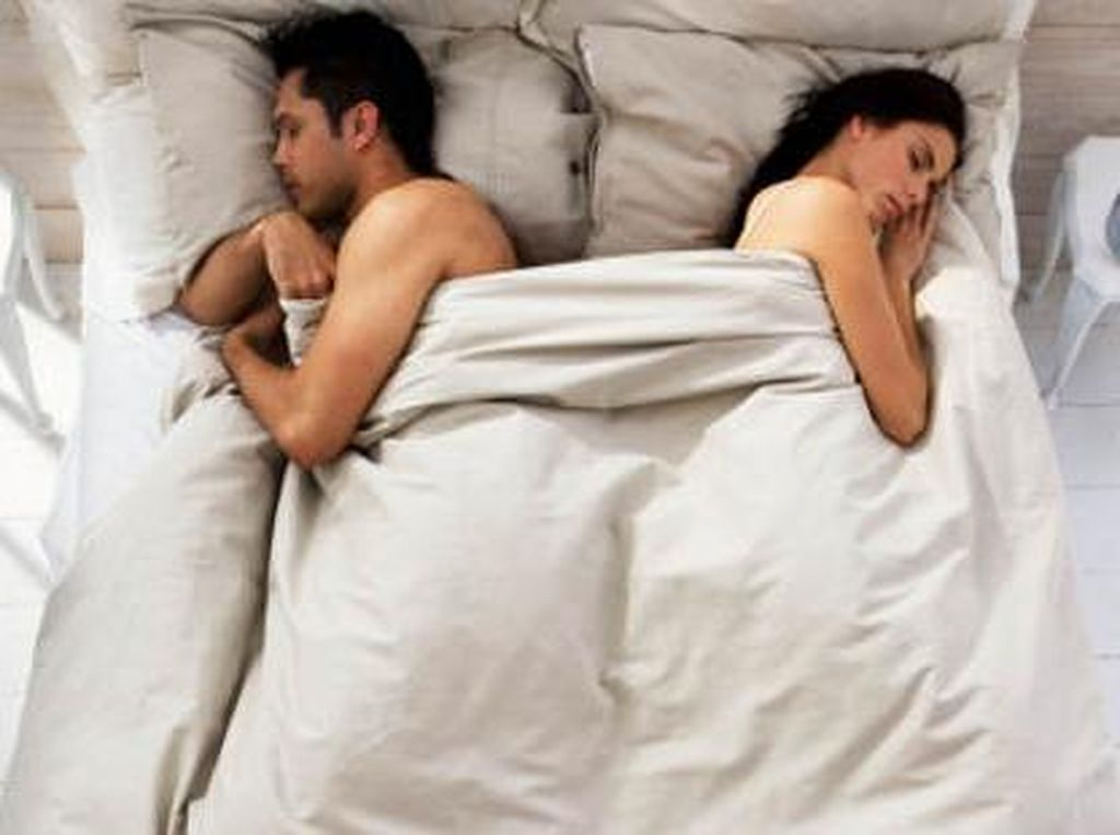 Belum Tentu Sudah Tak Sayang, Ini 4 Penyebab Pria Ogah Bercinta