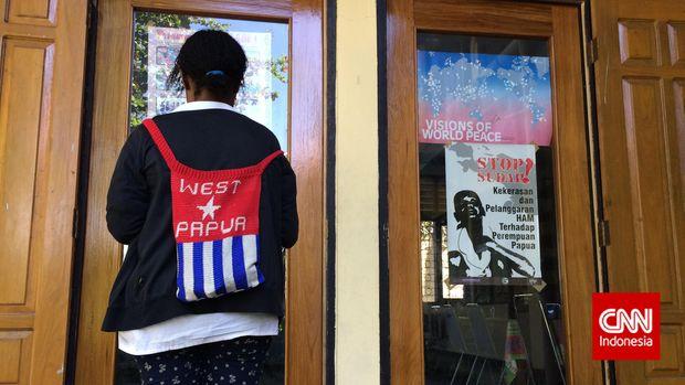Gejolak Papua dan Dongeng Bintang Kejora dari Kebun Karet