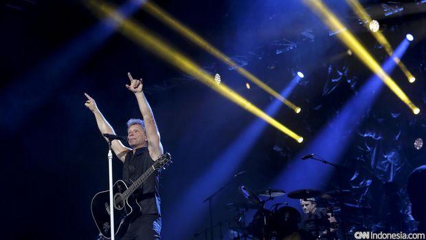 Aksi Bon Jovi saat manggung di Jakarta, September 2015. Kini Bon Jovi akan merilis album baru.