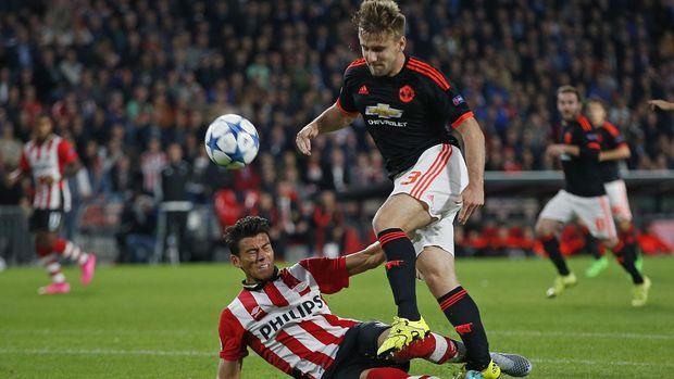 Luke Shaw mendapat tekel mengerikan dari Moreno di Liga Champions.