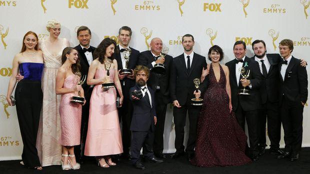 Selain menang Piala Emmy Awards, 'Game of Thrones' juga jadi serial yang paling banyak dibajak.