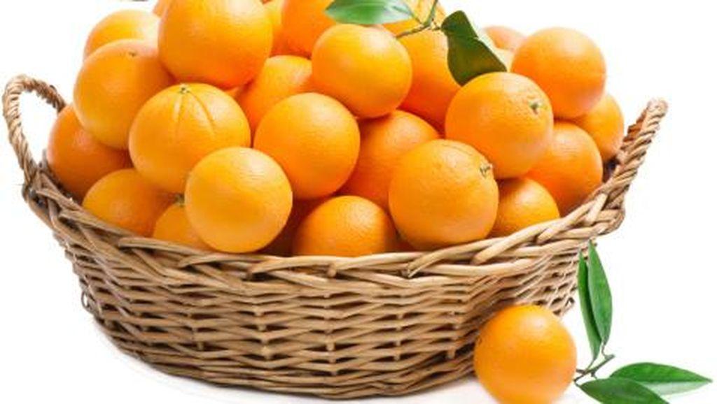 Sudah Sedia Buah di Rumah? Makan Jeruk Tiap Hari Bantu Cegah Pikun Lho