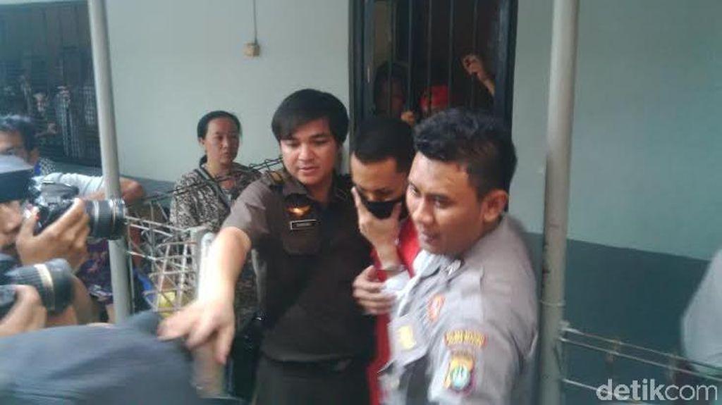 Pembunuh Tata Chubby Tutupi Wajah Jelang Sidang Perdana di PN Jaksel