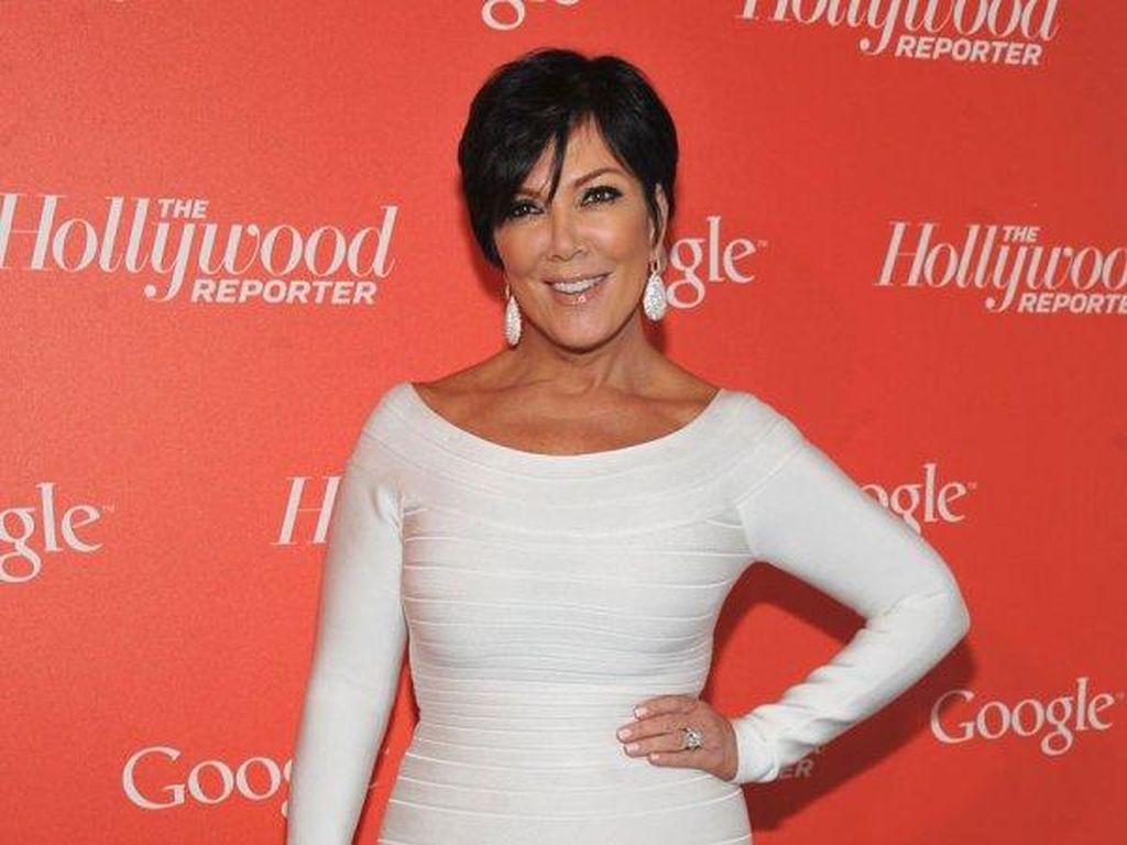 Kris Jenner Dapat Kado Natal Mobil Ratusan Juta Rupiah dari Anak-anaknya