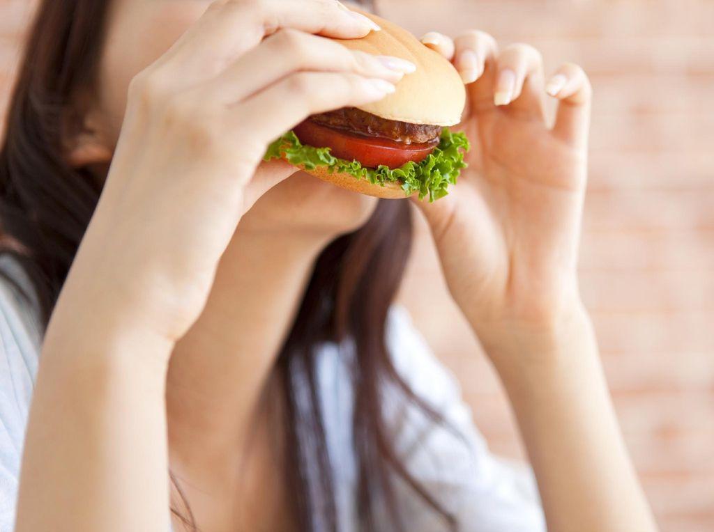Gaya Hidup Anak Muda yang Jadi Pemicu Kolesterol Tinggi