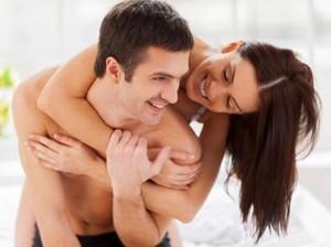 4 Cara Cerdas Istri untuk Bikin Suami Bergairah di Ranjang