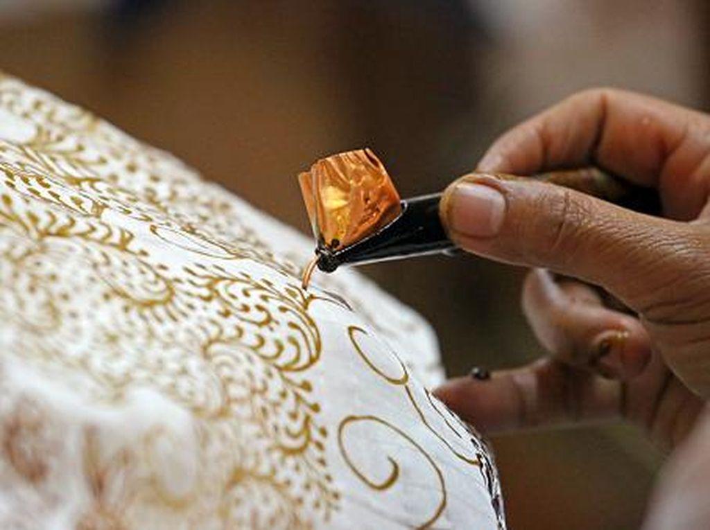 Heboh Xinhua News Tulis Batik Kerajinan Tradisional China