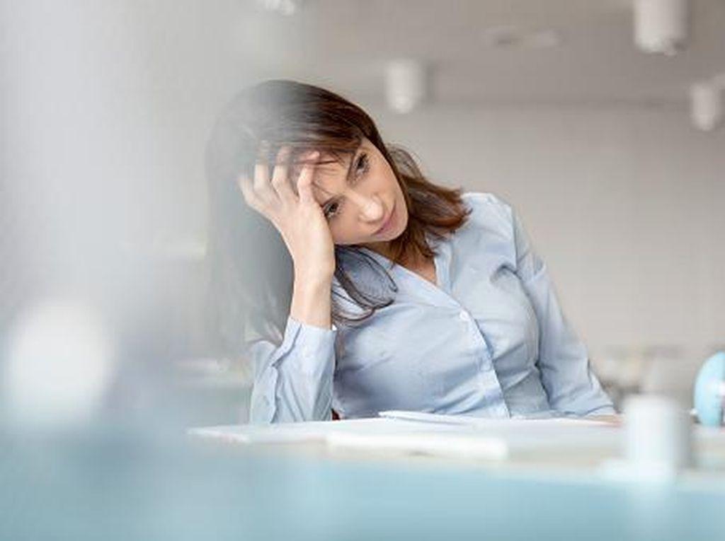 56 Persen Orang Alami Insomnia Karena Kepikiran Masalah Keuangan