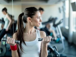 6 Langkah Jaga Kebersihan Diri Saat Nge-gym