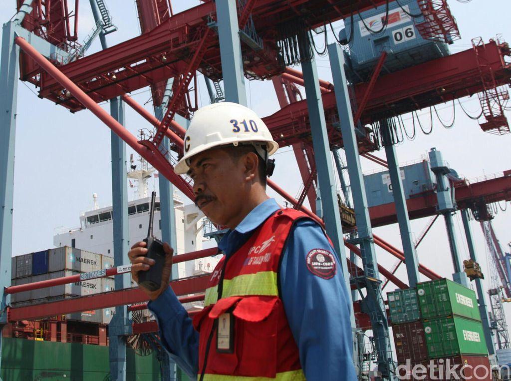 Jokowi Permudah Izin Impor Barang di Pelabuhan
