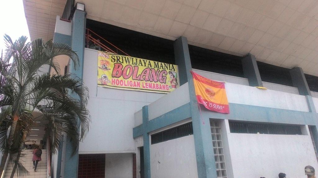 Begini Penampakan Markas Dadakan Suporter Sriwijaya FC di GBK