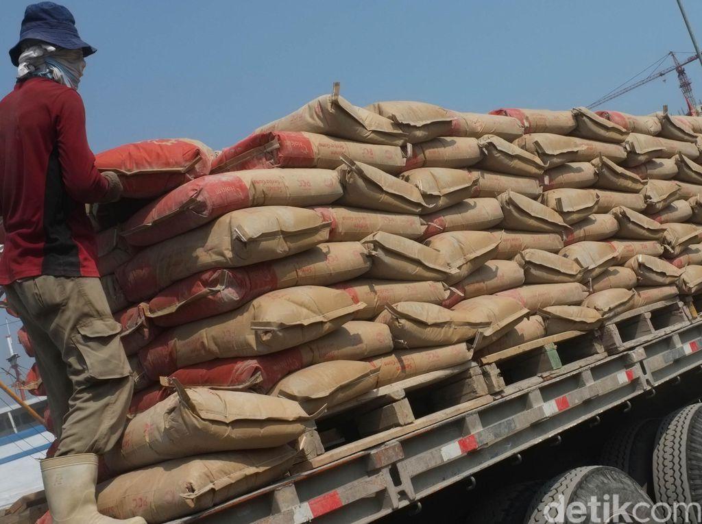 Ekonomi RI Lesu, Tanda Penjualan Semen Turun?