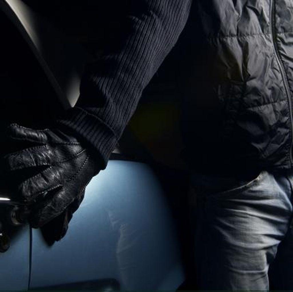 Perampokan Biro Perjalanan di Paris Diwarnai Penyanderaan, Pelaku Diburu
