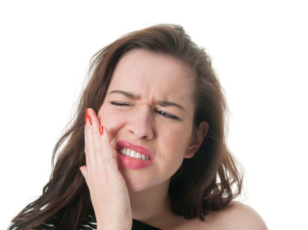 Tak Nyaman karena Mulut Kering? Ini Penyebab dan Cara Mengatasinya