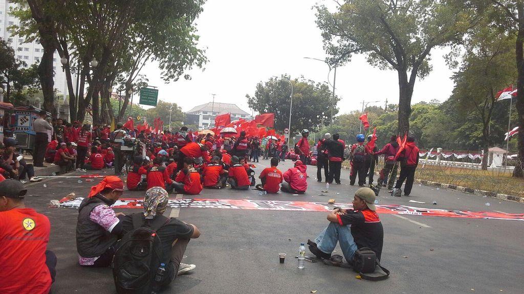 Buruh Ancam Mogok Nasional dan Menginap di Istana 30 Oktober