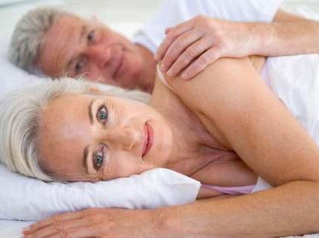 Riset: Seks Semakin Berkualitas di Usia Senja