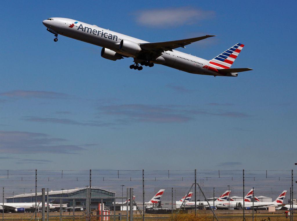 Ada Penumpang Mengamuk, American Airlines Mendarat Darurat