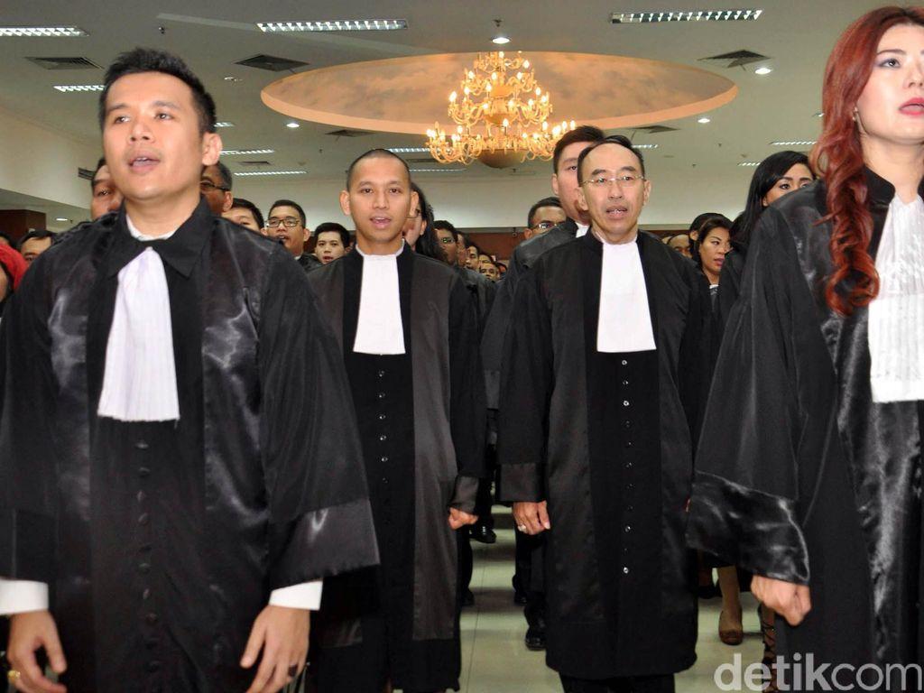 Caplok Pendidikan Advokat, Menristek Lawan Putusan MK?
