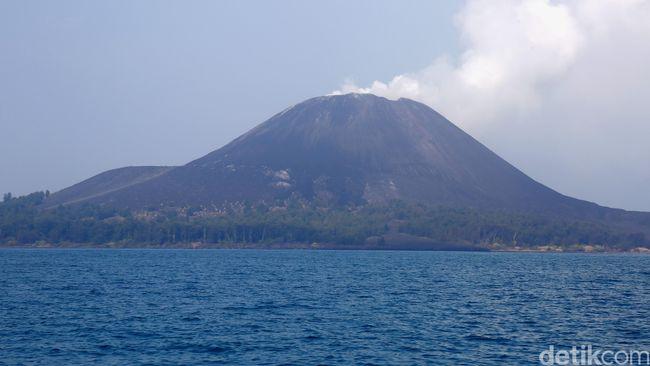 Gunung Anak Krakatau Erupsi Kecil