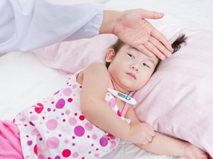 6 Mitos Seputar Demam pada Anak yang Masih Dipercaya