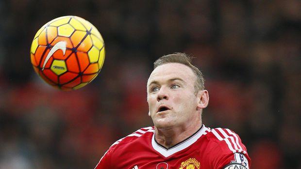 Saat di MU, Rooney juga melakukan transplantasi rambut.