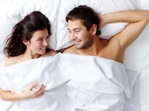 5 Posisi Seks yang Sebenarnya Tak Bikin Pria Nyaman