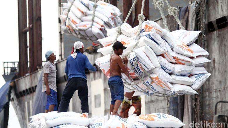 57.000 Ton Beras Impor Tiba di RI Lewat 3 Pelabuhan Ini