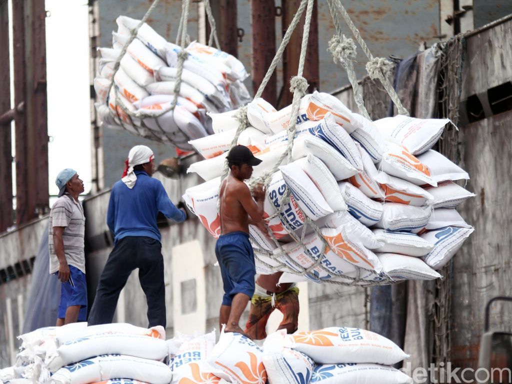 6.000 Ton Beras Vietnam Masuk RI Lewat Pelabuhan di Cilegon