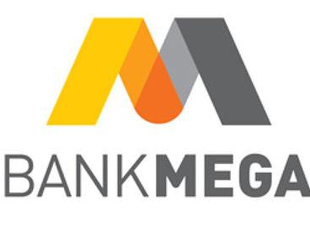 7 Motor dan 1 Mobil Dibagikan Kepada Nasabah Bank Mega Surabaya