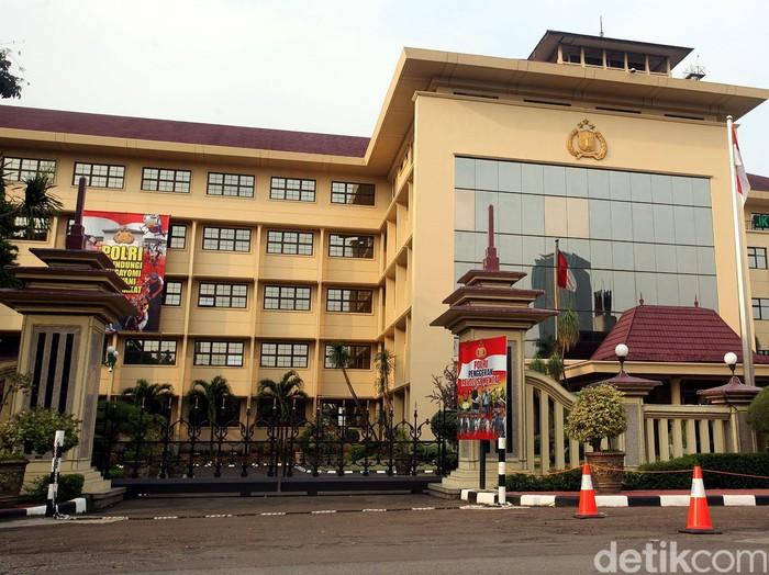 Gedung Markas Besar POLRI Daerah Khusus Ibukota Jakarta. Rengga Sancaya/detikcom.