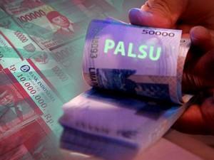 Polisi Bekuk 3 Pengedar Uang Palsu di Riau
