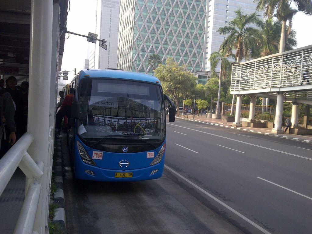 Bus Feeder Mulai Beroperasi di Koridor 6, Tak Ada Lagi Kernet yang Tagih Ongkos