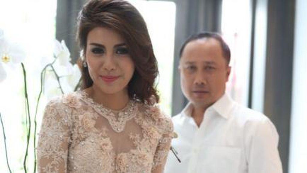 Kisah Cinta Presenter TvOne Winny Charita dan Kapolda Kalsel Hingga ke Pelaminan