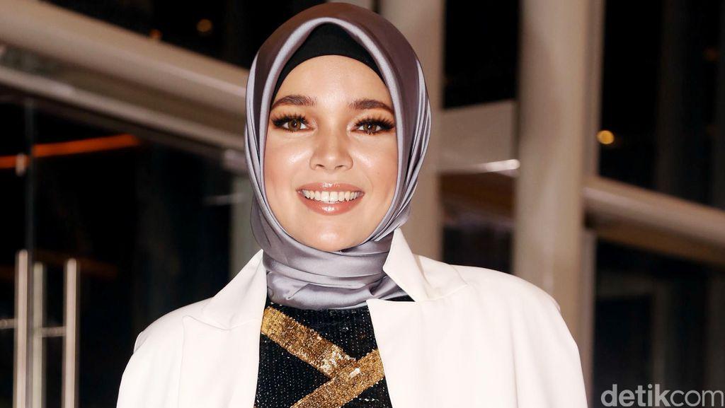 Belum Dikaruniai Momongan, Dewi Sandra Tetap Bersyukur