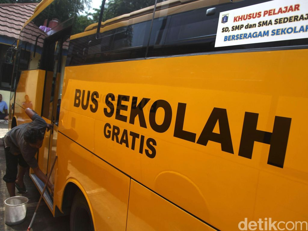 Kenapa Bus Sekolah Berwarna Kuning? Ternyata Ada Sejarahnya