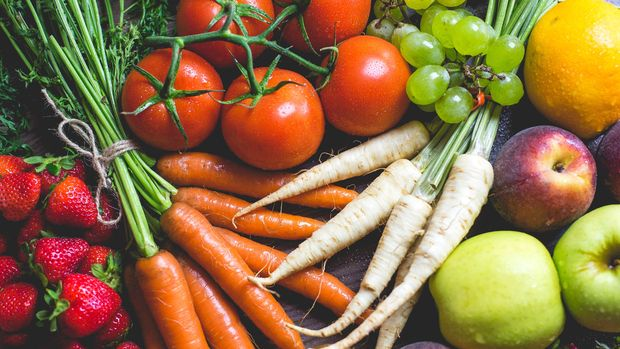 Ilustrasi sayur dan buah-buahan