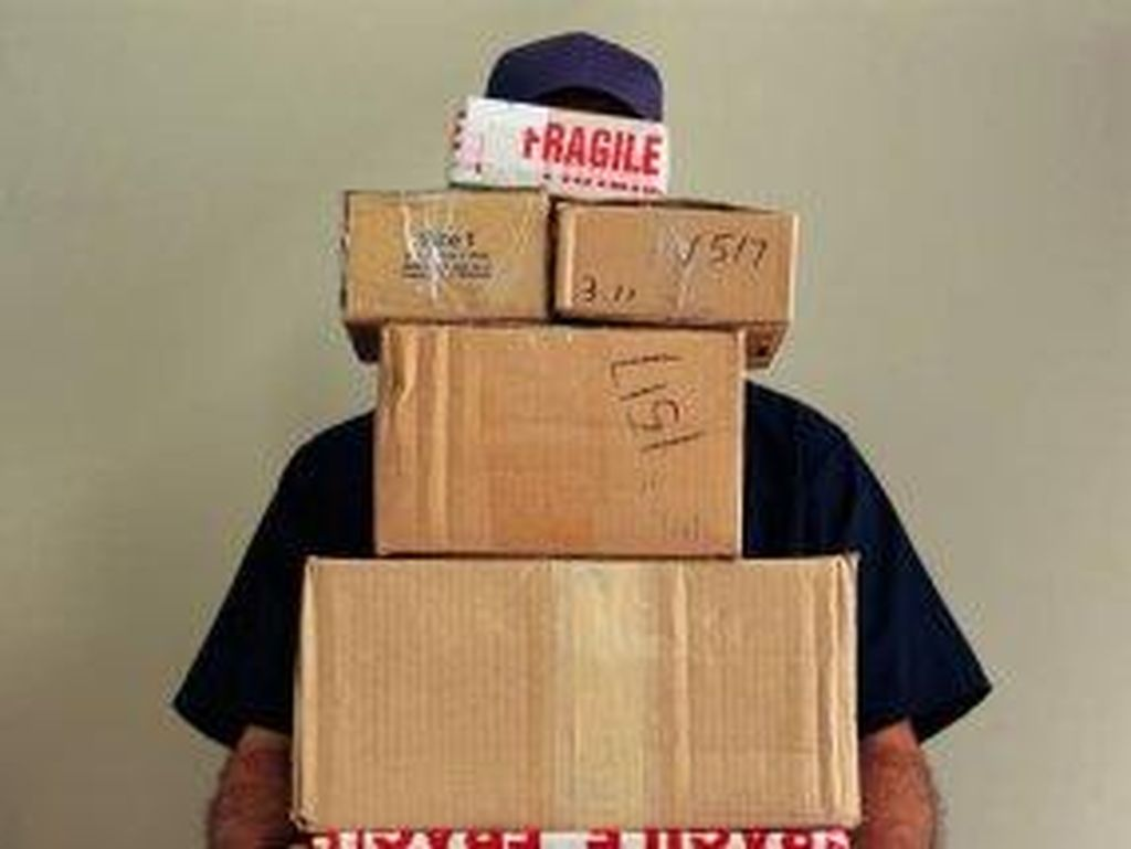 Isi Paket Pos Hilang, Belum Ada Solusi