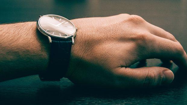Ilustrasi jam tangan