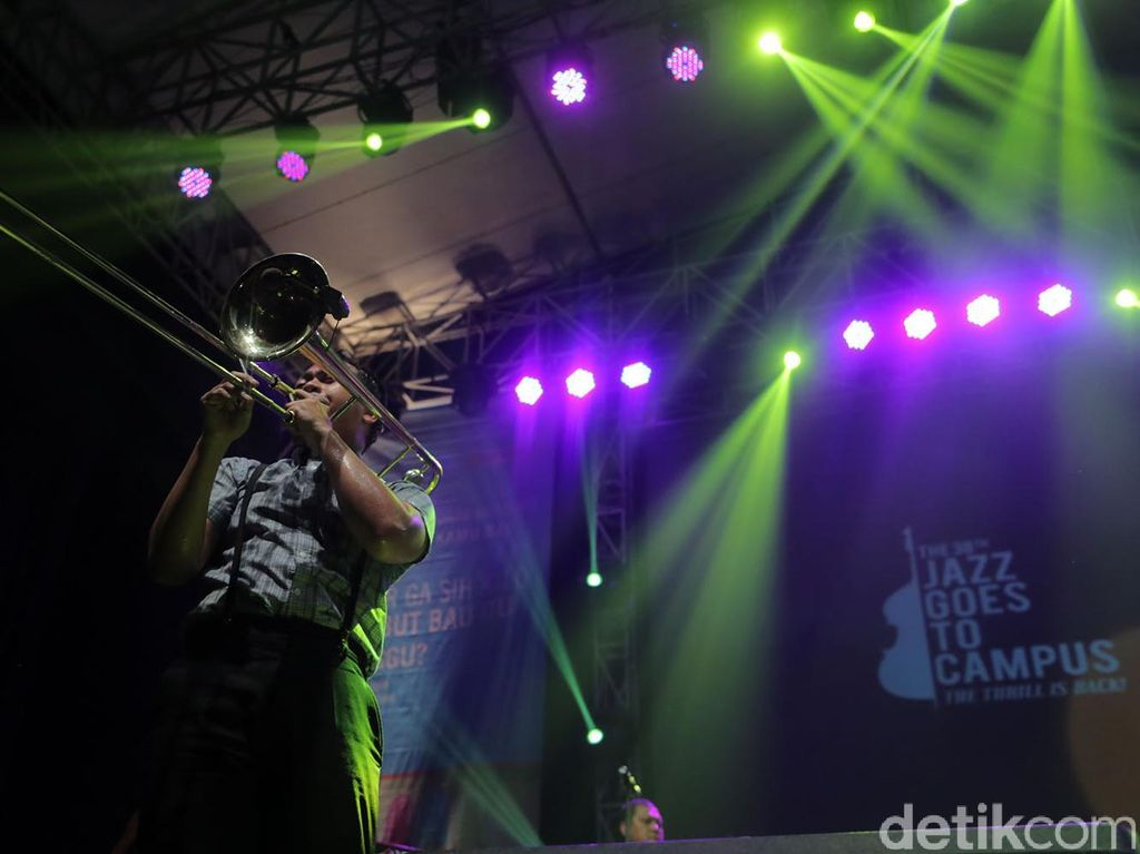 Transaksi Cashless Warnai Jazz Goes to Campus