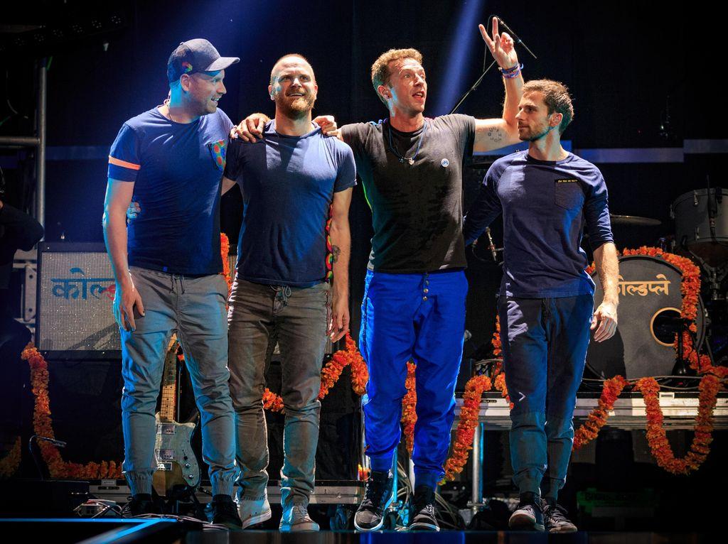 2 Lagu Baru untuk Sambut 2 Album Coldplay