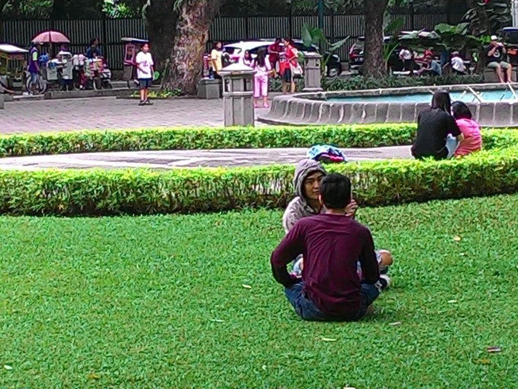 Tak Boleh Berjualan di Taman Suropati, Ke Mana PKL Direlokasi?