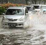 Setelah Lewati Banjir, Sebaiknya Mobil Jangan Langsung Digas