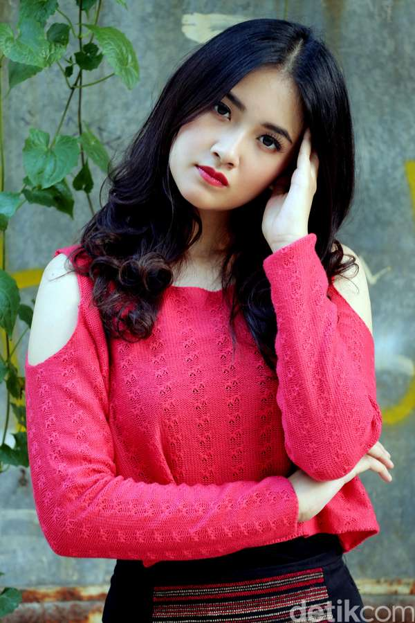 Profil Biodata dan Foto Cantik Nadya Arina