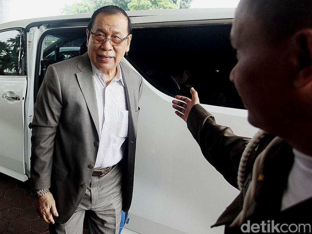 Orang Dekat Novanto Diganti dari Posisi Ketua Fraksi Golkar