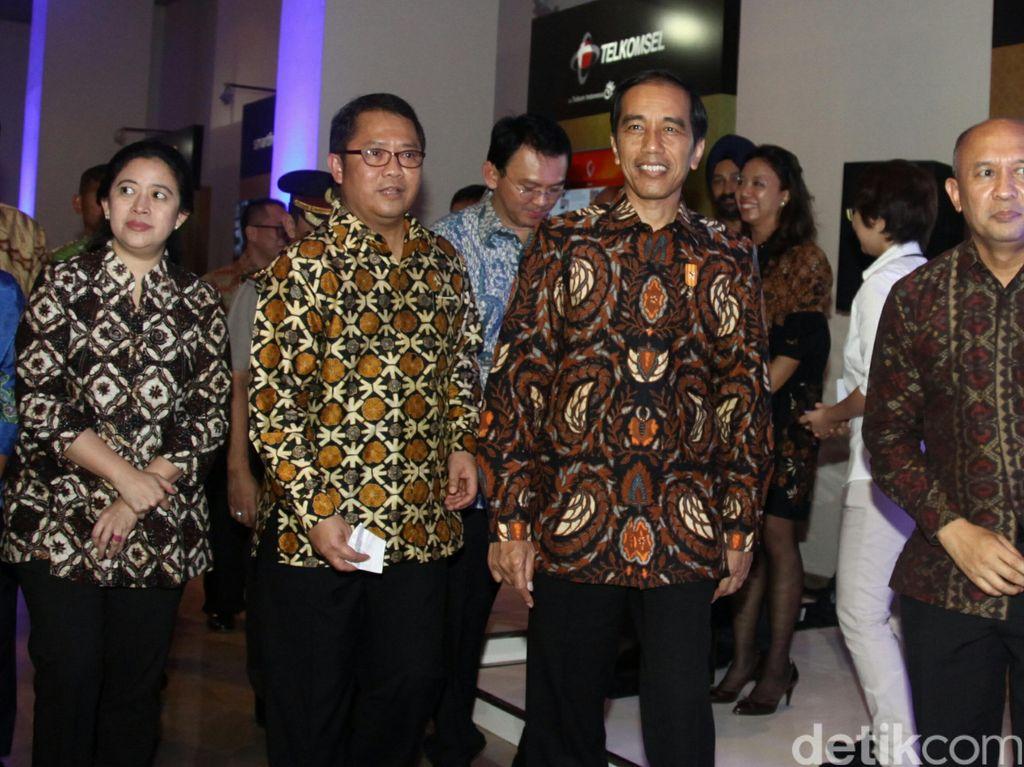 Jokowi Perintahkan Menkominfo Tutup Situs dan Akun Radikal