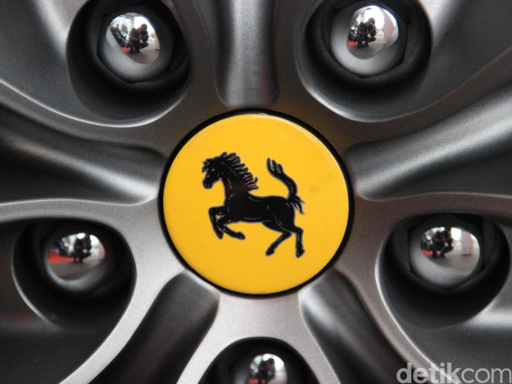 Ada Ferrari yang Masih Nunggak Pajak, Berapa Tarif Pajaknya?